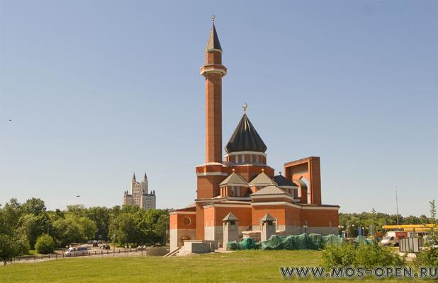 Мемориальная Мечеть в Парке Победы на Поклонной горе