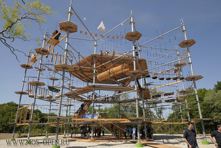 Высотный веревочный парк «Sky Town» на ВДНХ